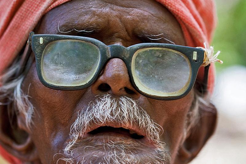 monsieur aux lunettes